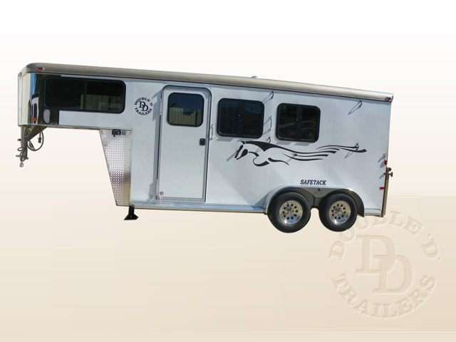 Safetack Two (2) Horse Gooseneck Trailer 010