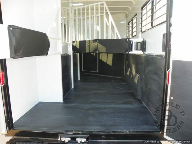 2 Horse Trailer With Living Quarters 9737 042