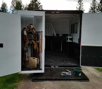 D And D Trailers >> 10 Reasons To Buy A Custom Horse Trailer From Double D Trailers
