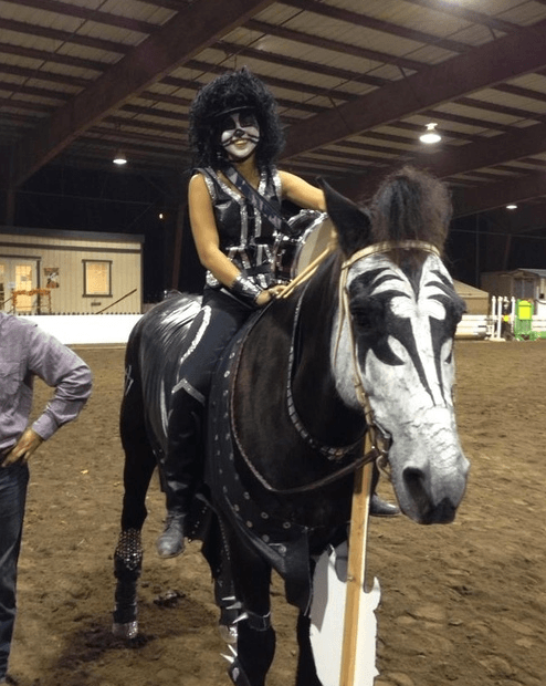 25 horse rider halloween costume ideas you wont believe kiss horse costume solutioingenieria Image collections