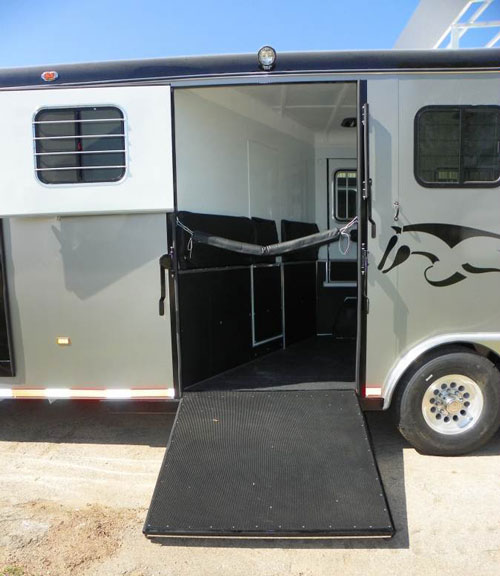 reverse load horse trailer