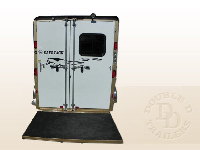 Safetack Two (2) Horse Gooseneck Trailer 035