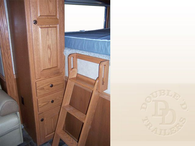 Living Quarter Horse Trailer with 12 ft short wall  008
