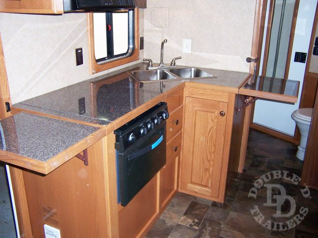 Living Quarter Horse Trailer with 12 ft short wall 058