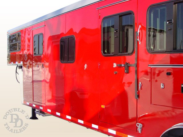 Living Quarter Horse Trailer with 12 ft short wall 4994