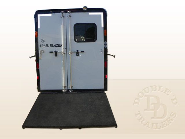 2 Horse Trailer With Living Quarters 9737 030