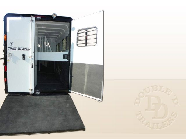 2 Horse Trailer With Living Quarters 9737 034