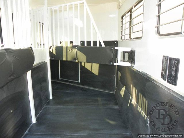 2 Horse Trailer With Living Quarters 9737 045