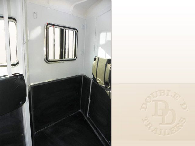 2 Horse Trailer With Living Quarters 9737 048