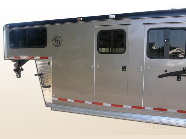 2 Horse Trailer With Living Quarters 9253 Gooseneck 009
