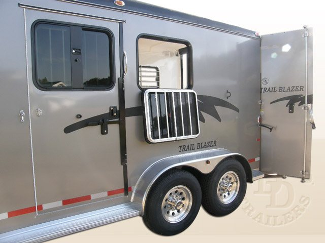 2 Horse Trailer With Living Quarters 9253 Gooseneck 010